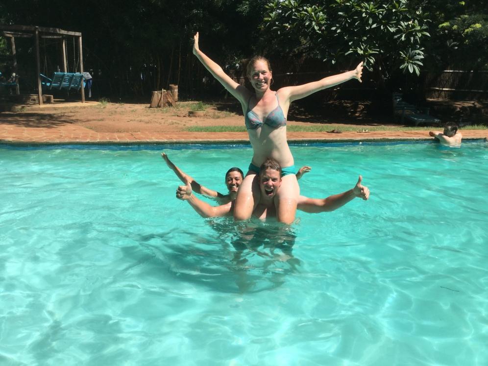 Pool side, Julie-Ann, Douwe & Emma